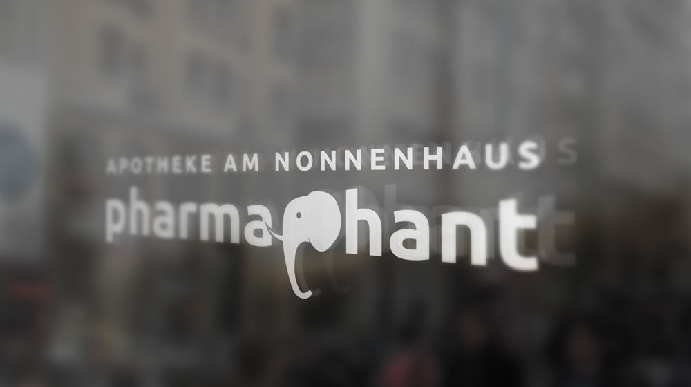 Pharmaphant_Fenster